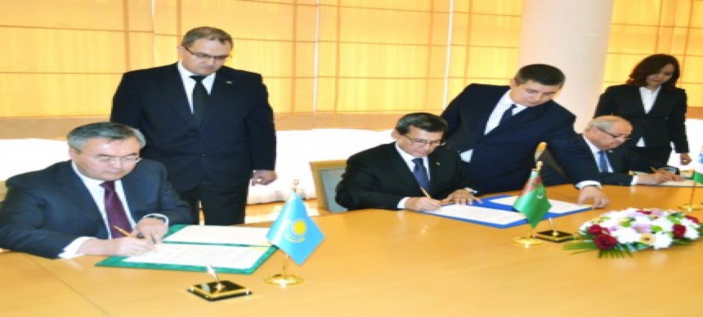 THE MINISTERS OF FOREIGN AFFAIRS OF TURKMENISTAN, KAZAKHSTAN AND UZBEKISTAN SIGNED A TRILATERAL DOCUMENT